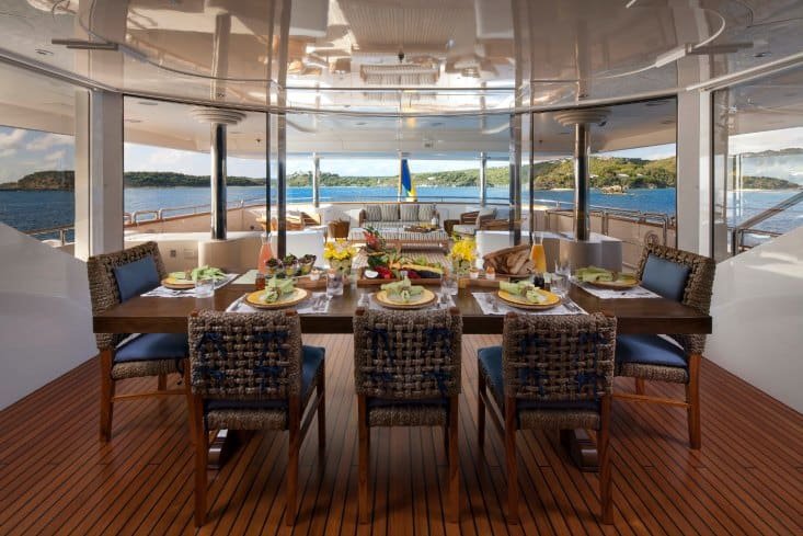 MY-Starfire-Upper-Deck-Aft-Dining-11